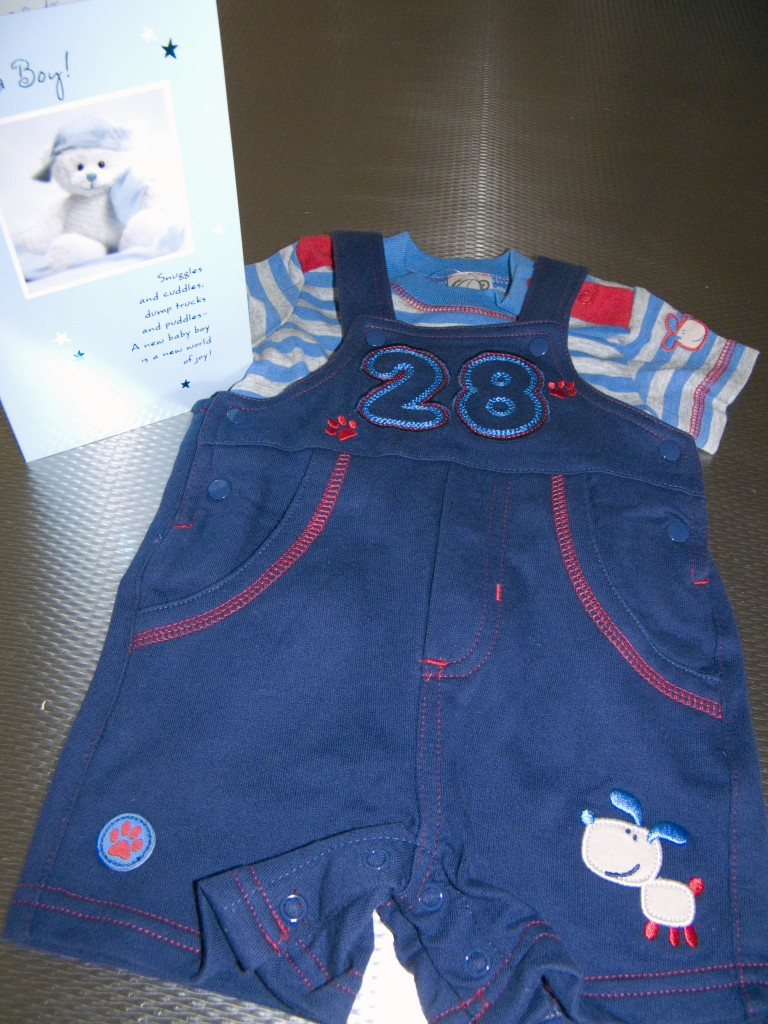T-shirt and Overalls for Addi